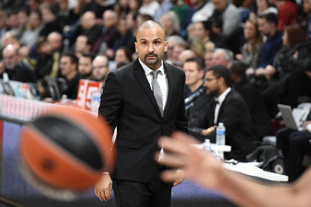 T.J. Parker coach de l'ASVEL de Lyon-Villeurbanne. (Photo : Joël Philippon/Le Progrès)