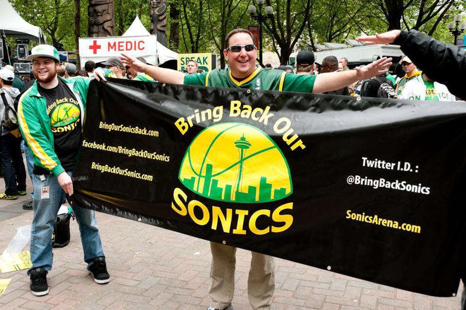 Depuis le départ de la franchise en 2008, la fanbase de Seattle — l'une des plus loyale de la NBA — n'a jamais cessé de croire au retour des SuperSonics. Photo : Getty Images