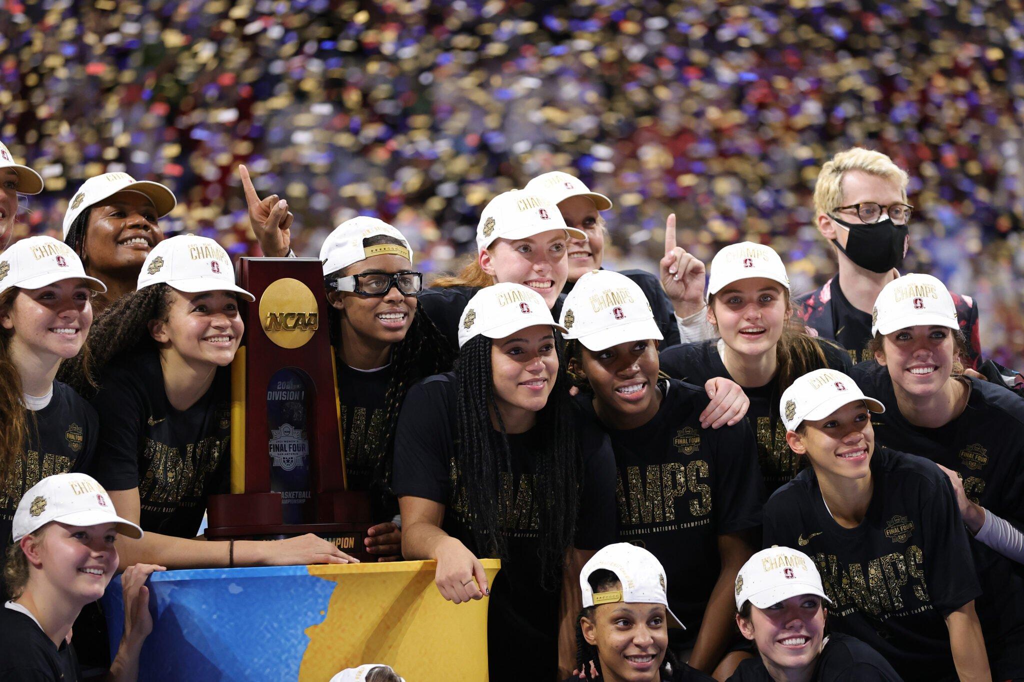 Les joueuses de Stanford, championnes 2021 après une saison de sacrifice. Photo : Carmen Mandato / Getty Images